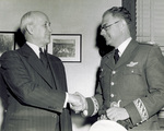 Orville Wright shakes hands with General Gomez