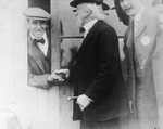 Claude Grahame-White meets poet John Trowbridge at the Harvard-Boston Aero Meet, September, 1910